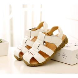 Sandal trắng đơn giản sang trọng cho bé trai
