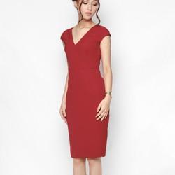 Đầm ôm body thiết kế cổ tim