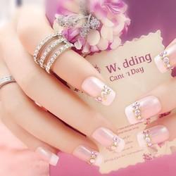 Mẫu nail đơn giản nhẹ nhàng nữ tính