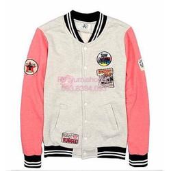 Áo khoác bóng chày xám tay hồng nhiều logo