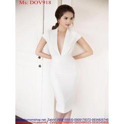 Đầm ôm trắng trẻ trung kiểu cổ V xẻ sâu sexy DOV918