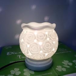 Đèn màu trắng đã có sẵn tại cửa hàng