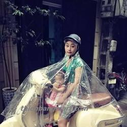 Áo mưa trong suốt
