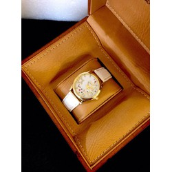 Đồng hồ thời trang điệu đà, nữ tính