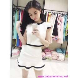 Set chân váy nhúng lai bèo áo croptop  trẻ trung như Ngọc Trinh DV309