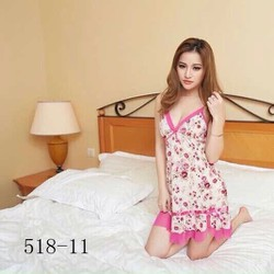Đầm mặc nhà màu hồng