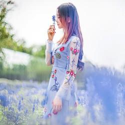 ẢO MỘNG TÌNH YÊU  với đầm thêu hoa  man mác