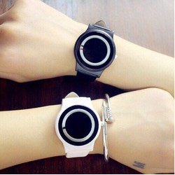 COMB 2 đồng hồ thời trang SL68 nam nữ