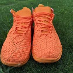 Giày thể thao được thiết kế kiểu mới nhất hiện nay
