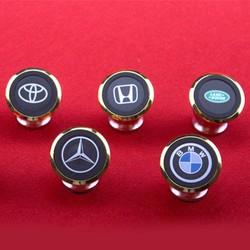 Giá đỡ điện thoại logo BMV trên xe oto