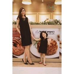 Đầm đen cực chất cho mẹ và bé