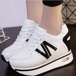Giày sneaker phong cách Hàn Quốc TT060T