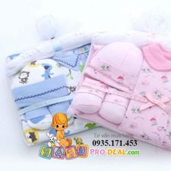 Set quà tặng đầy tháng cho bé sơ sinh
