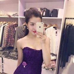 Đầm Ren Cúp Ngực Đính Hoa Hồng Eo