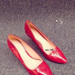 Giày VNXK màu mận chín rất sang da mềm đi không đau chân