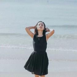 Đầm xòe đen chéo lưng DNT102