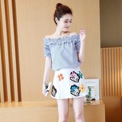 Set áo trễ vai kẻ sọc và chân váy in 3D T210902