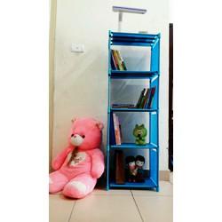 giá sách 4 tầng màu xanh và hồng