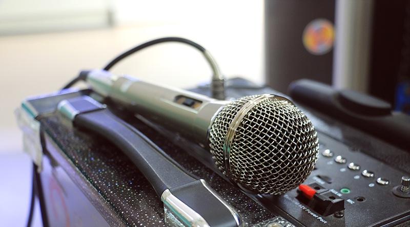Microphone dây C.O.K E-701 Bạc 3