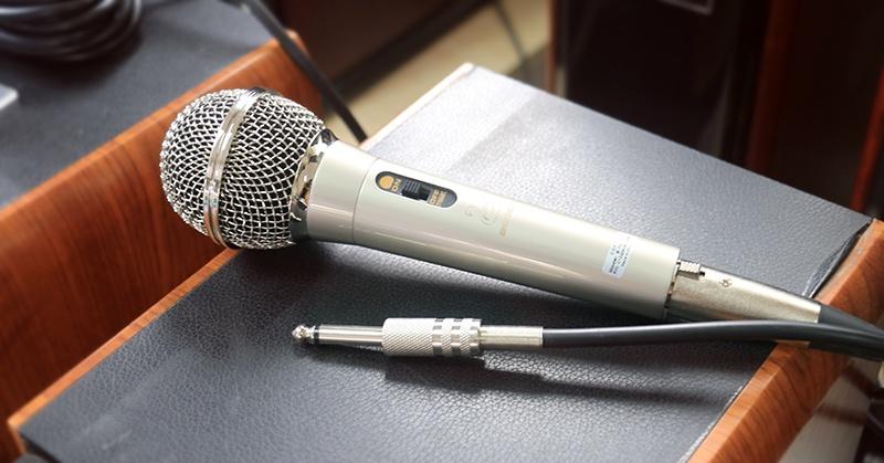 Microphone dây C.O.K E-701 Bạc 5