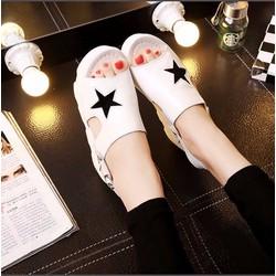 Giày sandal xuồng ngôi sao