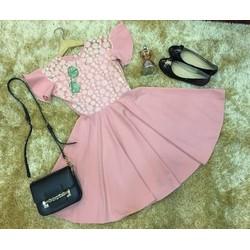 Đầm xòe hồng ren bi so xinh
