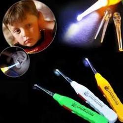 Dụng cụ lấy ráy tai có đèn led cho bé