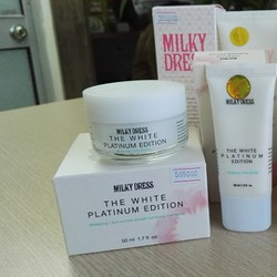 Bộ sản phẩm chăm sóc da mặt và toàn thân