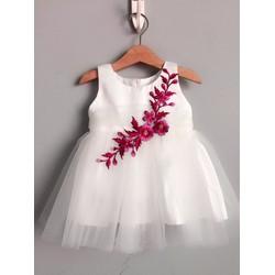 Đầm công chúa hoa thêu lệch vai