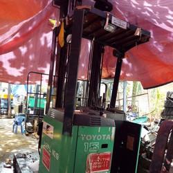 Xe nâng điện đứng lái Toyota - Japan