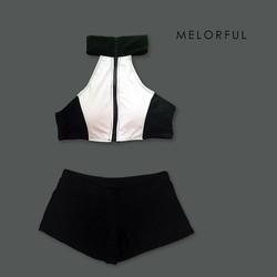 Bikini 2 mảnh áo yếm cổ trụ dây kéo giữa và quần short The Zyb