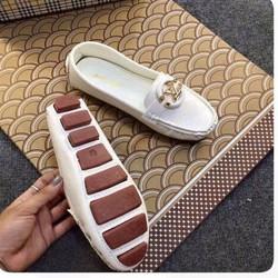 giày mọi khóa vàng