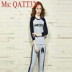 Bộ thể thao nữ áo in chữ phối quần sọc trẻ trung năng động QATT325