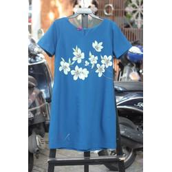 Đầm vẽ tay xanh mực hoa trắng