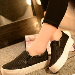 giày slip on đế cao