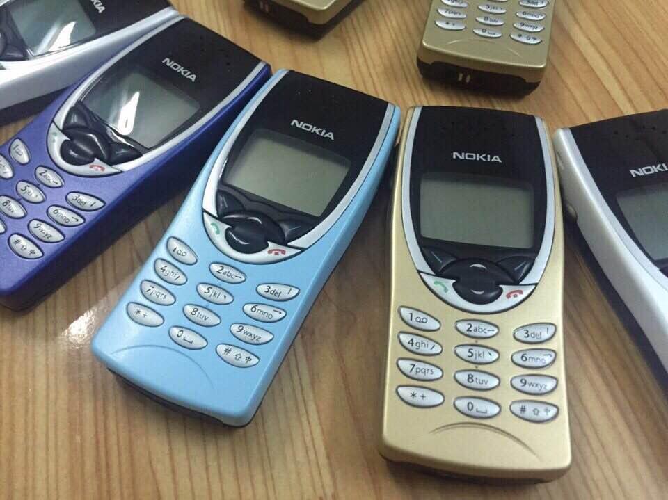 Nokia 8210 5
