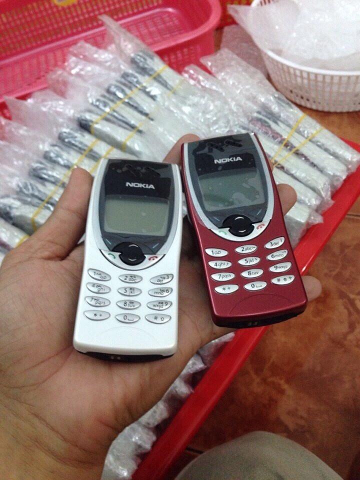Nokia 8210 11