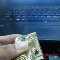 Hộp quẹt vàng RANDIAN thể hiện đẳng cấp