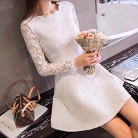 Đầm ren trắng tay dài - DS130