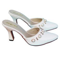 Giày cao gót cỡ nhỏ