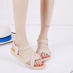 Giày sandal quai chéo