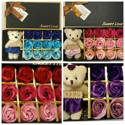 Hoa sáp thơm 12 bông kèm gấu dễ thương quà tặng cho thân yêu