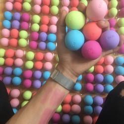 son trứng dưỡng môi có màu nhẹ và rất thơm