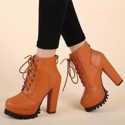 Giày boot nữ cột dây màu da bò hiện đại GBN15602