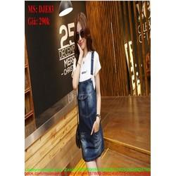 Váy yếm jean có túi và wash màu phong cách