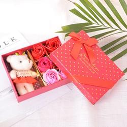 Hộp quà gấu và hoa hồng sáp 6 bông Màu đỏ bởi WinWInShop88