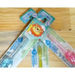 Bàn chải đánh răng hình thú cho trẻ từ 6 tuổi