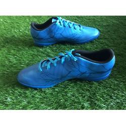 giày đá sân cỏ nhân tạo