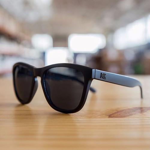acb84f73e6b Giá hời Black On Black Smoke Premiums mới nhất
