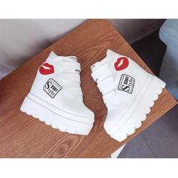 Giày nâng đế thời trang